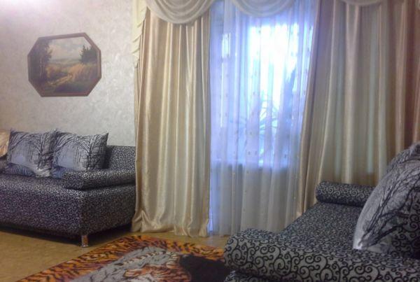 улица Максима Горького, 160