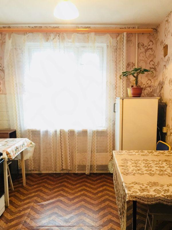 улица Сергея Есенина, 38