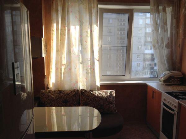улица Сергея Есенина, 27